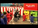 Японское шоу, целуют попы.