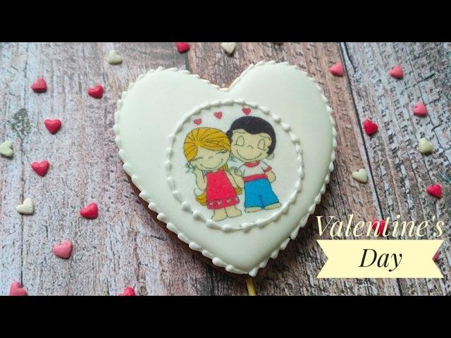 Как наклеить вафельную картинку на пряник. Печенье ко дню святого Валентина. Valentine's Day Cookies