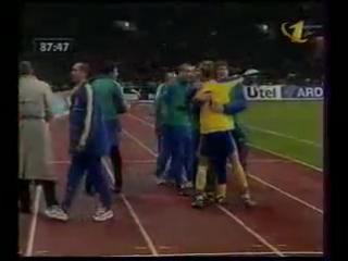 Александр Филимонов пропускает чудовищный гол от Андрея Шевченко 9 октября 1999 года