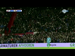 Feyenoord fans light up the stadium and sing YNWA for Brad Jones' son who passed away 6 years a go today.