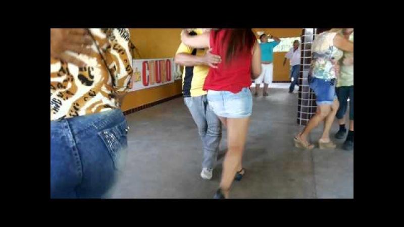 No sitio da Vovó Joia se dança assim!