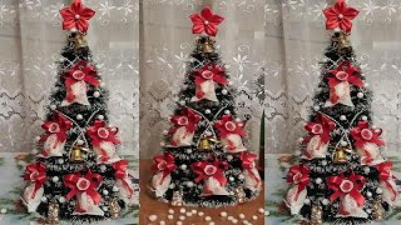 Ёлка из мишуры и конфет Рафаэлло. Christmas Tree of Clinquant and Candies