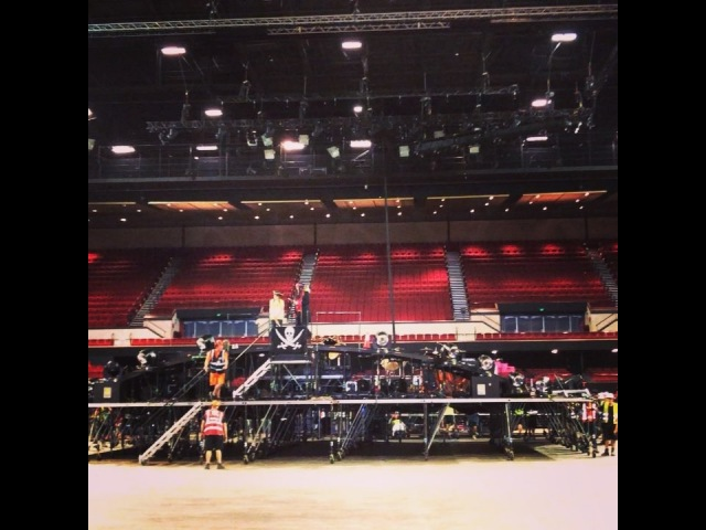 Jody Diaz on Instagram Best part of load in the captainmallers stageroll queenadamlambert queen pirates tait taitstages rolli