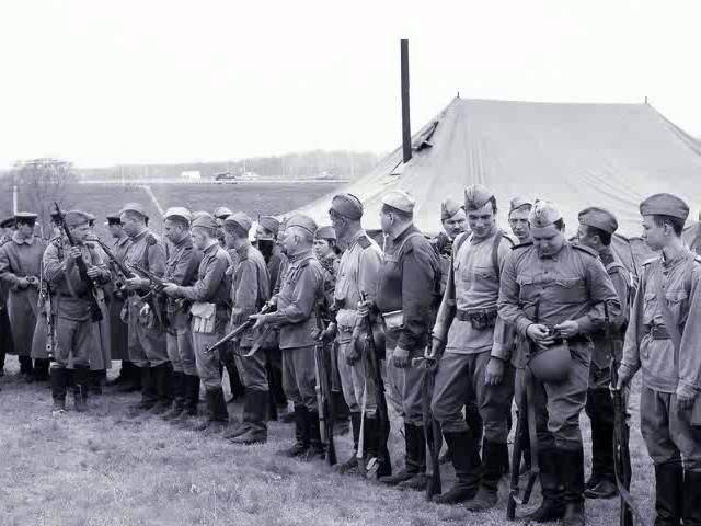 От Советского информбюро 14 02 1943 Освобождены Ворошиловград и Красный Сулин