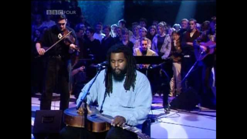 Dave Swift on Bass with Jools Holland backing Alvin Youngblood Hart