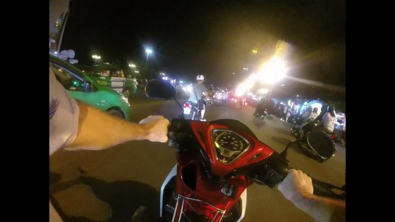 Вьетнам Нячанг. Движение в Новогоднюю ночь 2018