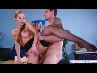 Длинноволосая николь энистон сосет член и трахается на столе в перерыве между работой (домашнее красивое порно секс фильм анал)