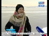 Байкал покоряет на коньках 77-летняя баба Люба