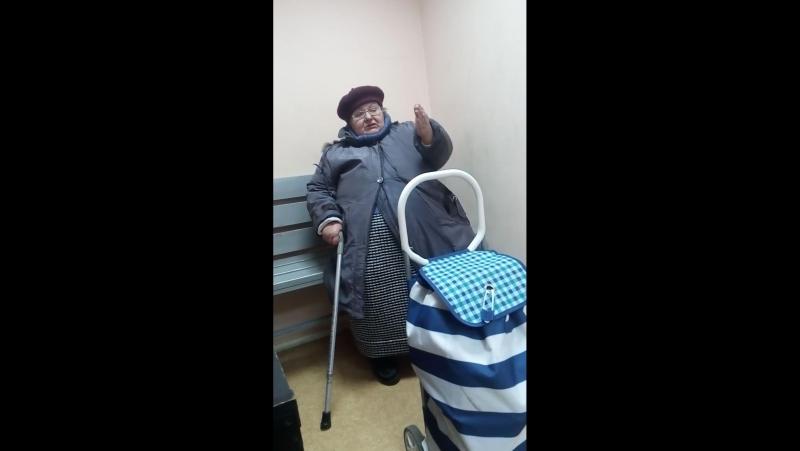 Настоящие тунеядцы Беларуси и где они обитают. Памперсница в очках с трясущейся рукой в милиции