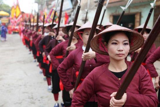 Сильные воины слабого пола  Храбрые, смелые, сильные девушки, которые смогли повести за собой целую нацию.
