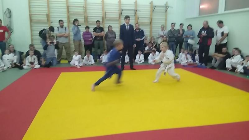 схватка Насти с чемпионом москвы