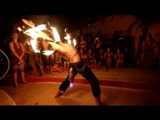 Enter The Dragon- Siri Khalsa performs Dragon Staff