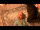Ребенок радуется коту!! Милота! Baby and cat!