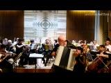 Staatliche Sinfonieorchester Kaliningrad spielt Eternally von Charles Chaplin