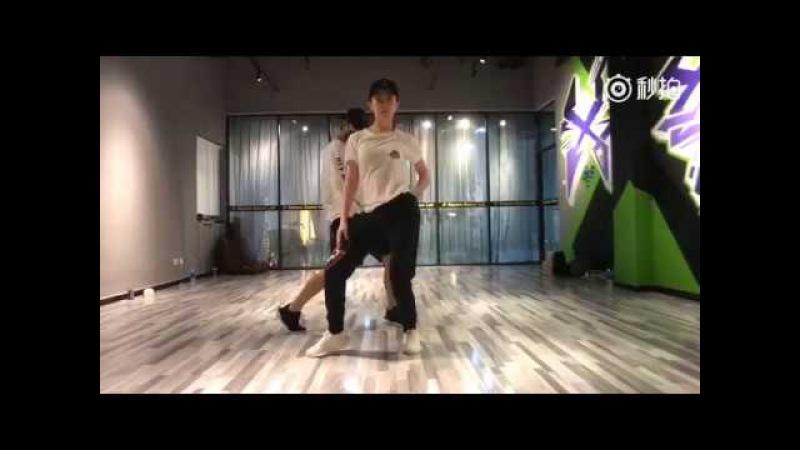 Liu Yifei Yang Yang Urban Dance Practice Version