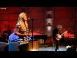 Kerry Ellis &amp Brian May -Save Me-Live on BBC Radio 2 (15.08.2010)