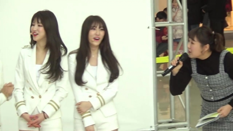 더유닛(The Unit) 유닛G - 개인기 - 타임스퀘어 - 2018.02.11일.hnh