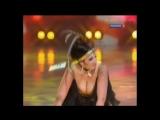 Анфиса Чехова трясёт большими сиськами на сцене (слоу-мо)