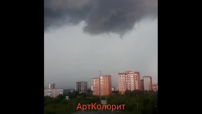 Вчерашняя гроза из окна нашей студии. уфасити уф... Погода в городах России 23.06.2017