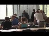 Der Grüne Asylwahnsinn in Berlin, Flüchtlinge kassieren ab und verarschen Deutschland