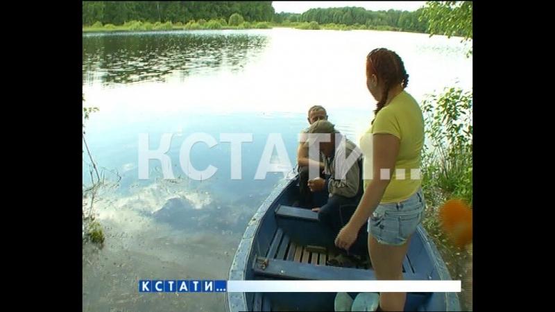Заплыв над дорогой - из-за летнего паводка в Воскресенском районе машины сменили на лодки