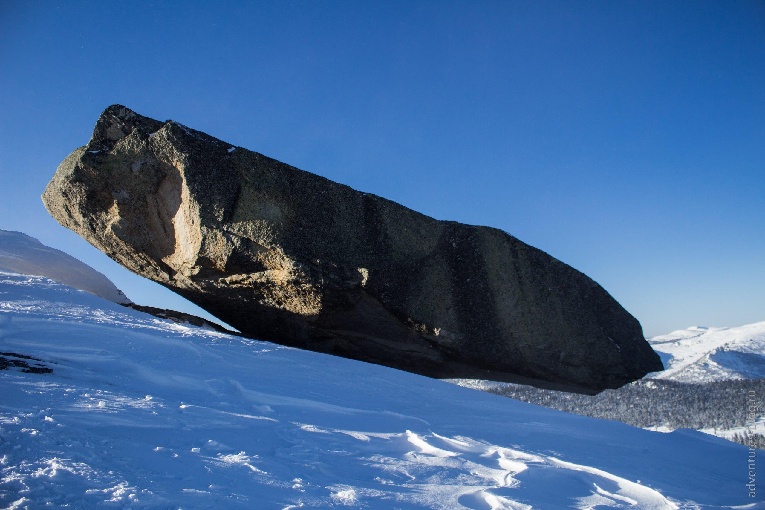 Висячий камень, зима Ерагки
