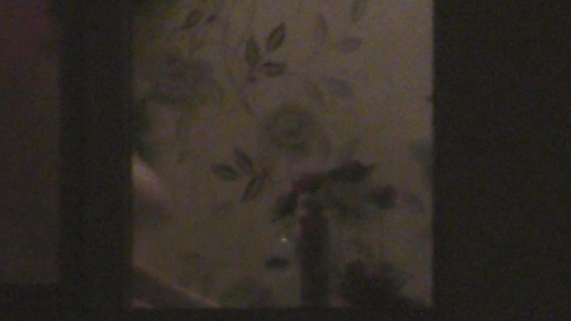 Сиськи в окне ( подгляд засвет )