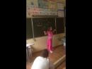 танец моей сестренки на выпускном из 4-го класса
