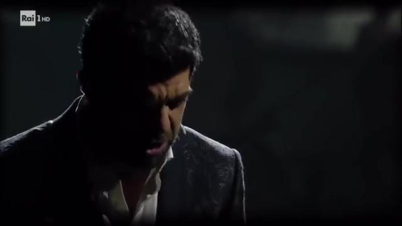 Festival di Sanremo 2018 - Pierfrancesco Favino porta sul palco dell'Ariston il toccante racconto sulla condizione degli stranie