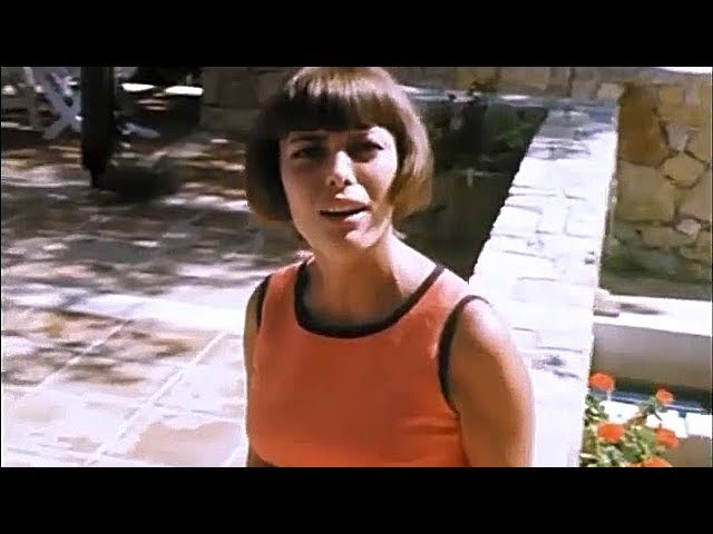 Mireille Mathieu - Pardonne-Moi Ce Caprice D'Enfant (Roquefort-la-Bédoule, 1970)