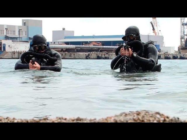 На Черноморском флоте осваивают новую водолазную технику и учатся ловить дивер ...