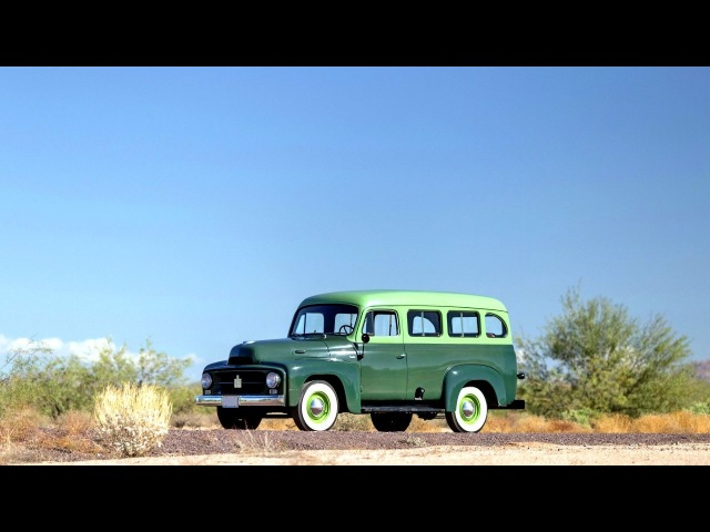 International Harvester R 110 Travelall 1953