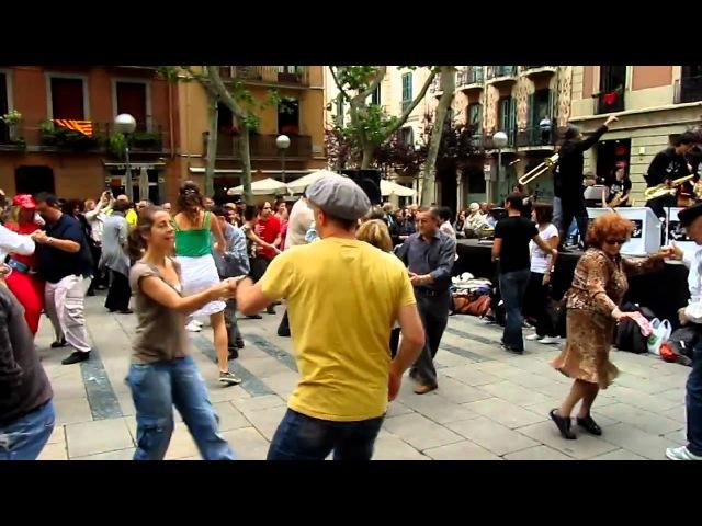 Easy Money - Sant Andreu Jazz Band (Live at the Barcelona Festival 2011)