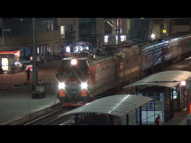 Электровоз ЭП1М-775 с ЧС4Т-714 и поездом №49 Кисловодск — Санкт-Петербург