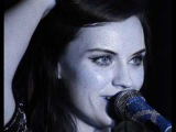 Amy Macdonald - Troubled soul with lyrics