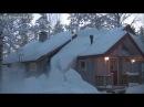 Убираем снег с крыши с помощью верёвки