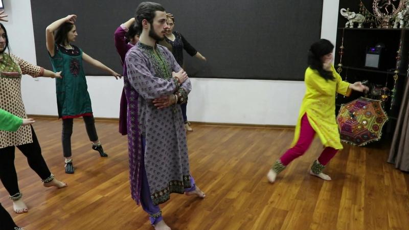 Rima Shamo School Madhuri Group Lakshmi Mere Dholna Bhool Bhulaiyaa Choreography by Rima Shamo