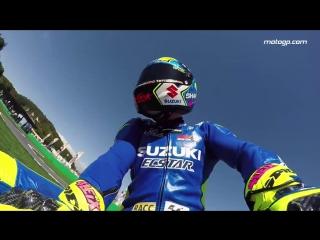 Как развлекаются профессиональные мотогонщики MotoGP