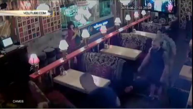 Киевляне Артур Бирюк и Евгений Корнейко мочат дембелей АТО в кафе