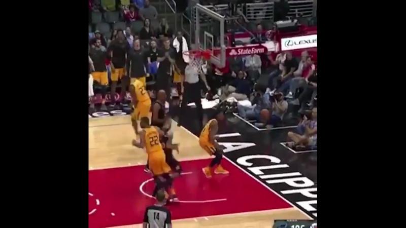Basketball Vine 387