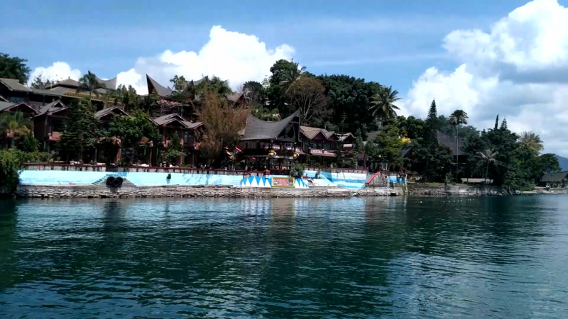 Toba_o.Sumatra_o.Tuk-Tuk_weekend