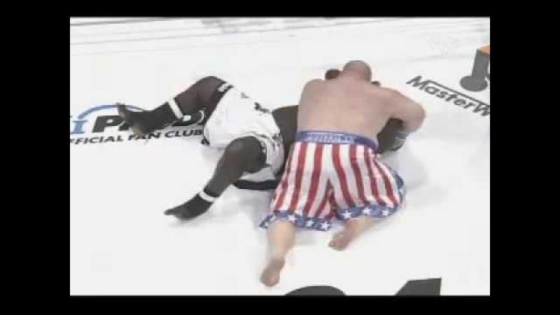 Pride Japan - walka Butterbean vs Zuluzinho 370kg w ringu