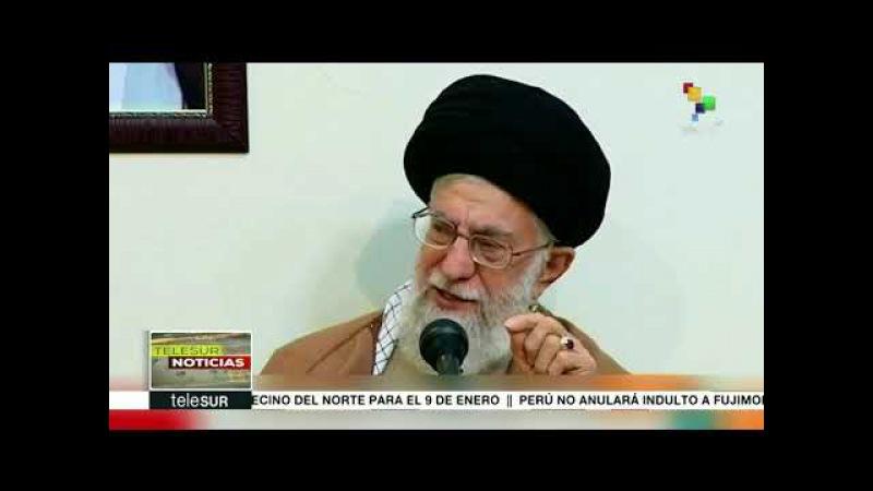 Líder supremo iraní afirma que enemigos de su país impulsan protestas