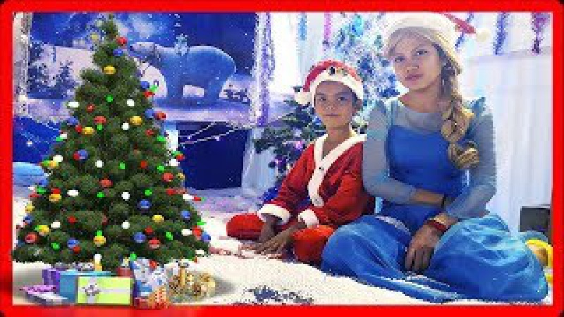 Santa Elsa Playing in Christmas House | Indoor Playground For Kids | Jessi and Nick Show