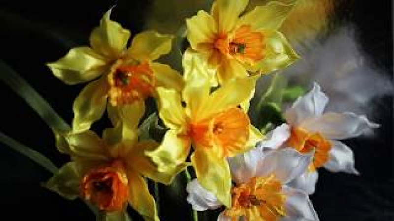 Цветок НАРЦИССА из лент КАНЗАШИ мастер класс Ribbon Flower Kanzashi