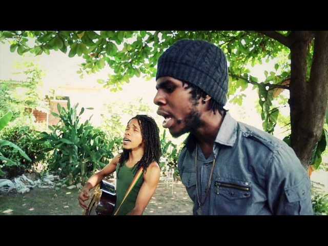 Chronixx - Surviving Behind Curtain (Acoustic Session)