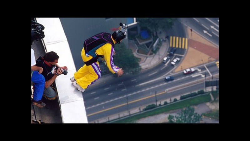 KL Tower BASE jumps - Aerial Extreme