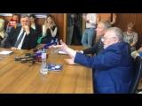 Жириновский у синоптиков: Почему мне не приходят смс-ки о дожде?!