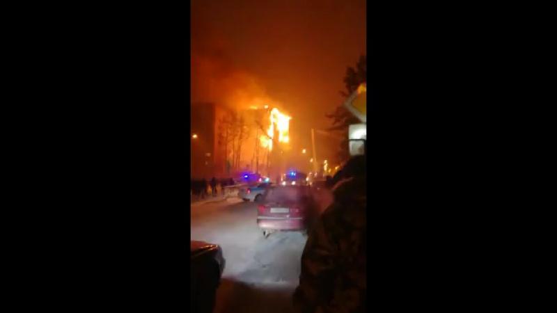 Пожар на Ткацком в Тюмени 1
