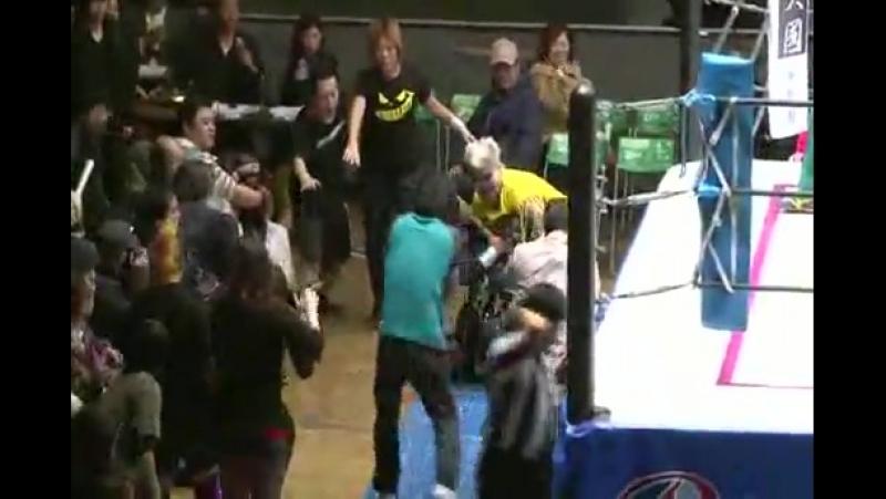 6. Goya Kong Muneca de Plata vs. Dump Matsumoto Yumiko Hotta (REINA 12/24/14)